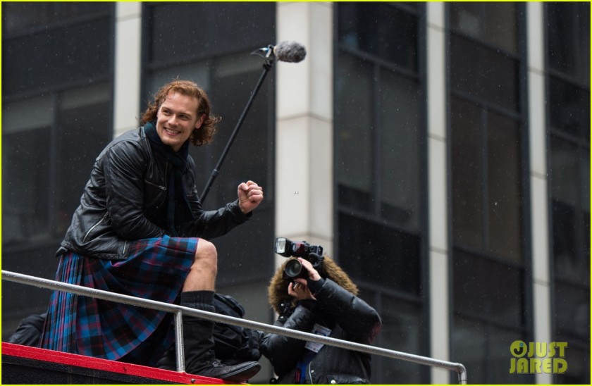 sam-heughan-new-york-tartan-day-parade-19
