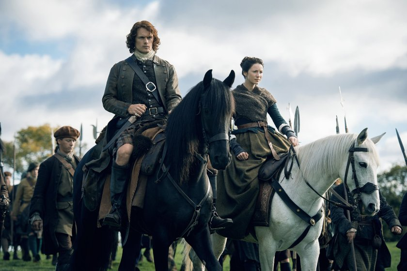 Sam-Heughan-as-Jamie-Fraser-Caitriona-Balfe-as-Claire-Randall-Fraser-Episode-209
