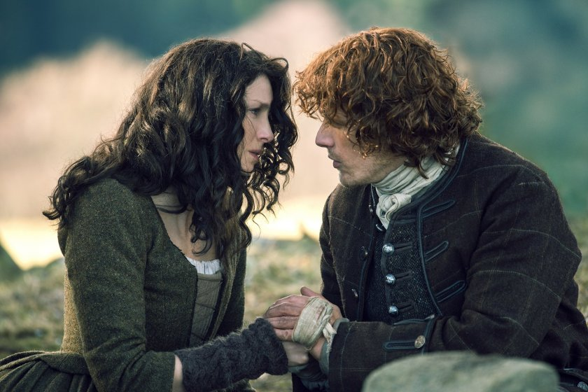 Caitriona-Balfe-as-Claire-Randall-Fraser-Sam-Heughan-as-Jamie-Fraser-Episode-213-3