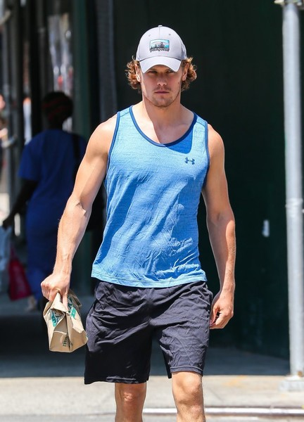 Sam+Heughan+Sam+Heughan+Leaves+Gym+New+York+frIrvuLwzapl - Copy