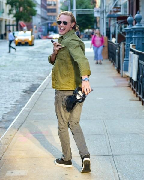 Sam+Heughan+Sam+Heughan+Seen+Out+New+York+0C-SeyLNydWl