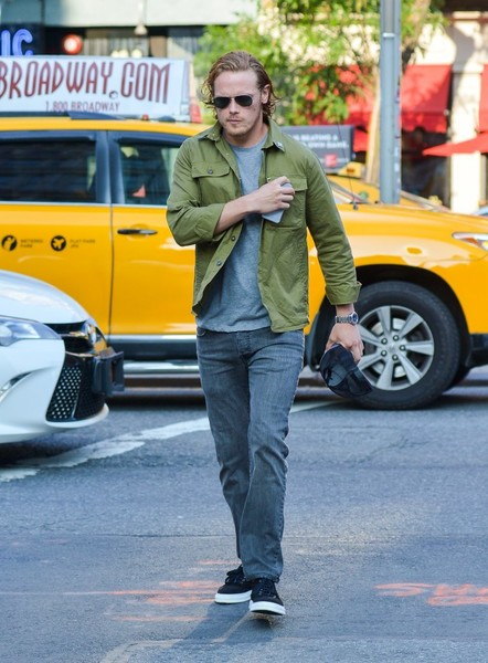 Sam+Heughan+Sam+Heughan+Seen+Out+New+York+ON644SP_dYCl (1)